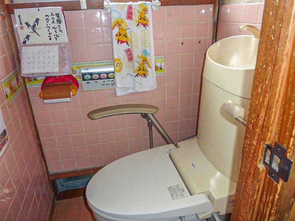築60年 H様邸リフォーム 施工前のトイレ